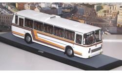 ЛАЗ  699Р белый, с цветными полосами  ClassicBus, масштабная модель, scale43