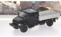 ГАЗон C42A33 бортовой, черный / серый  НАП, масштабная модель, Наш Автопром, scale43