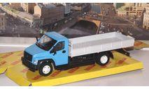 ГАЗон C41R33 бортовой, голубой / серый  НАП, масштабная модель, Наш Автопром, scale43
