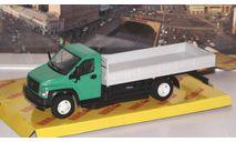 ГАЗон C41R33 бортовой, зеленый / серый   НАП, масштабная модель, Наш Автопром, scale43