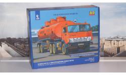 Сборная модель КАМАЗ-54112 с полуприцепом НЕФАЗ-96742  AVD Models KIT, масштабная модель, 1:43, 1/43