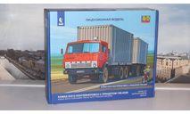 Сборная модель КАМАЗ-53212 контейнеровоз с прицепом ГКБ-8350  AVD Models KIT, масштабная модель, scale43