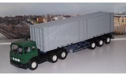 МАЗ-6422 с полуприцепом-контейнеровозом МАЗ-938920 АИСТ