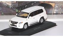 LEXUS LX570 (2010), white    V.V.M / V.M.M., масштабная модель, scale43