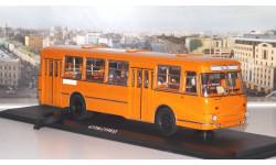 Автобус 677 с запасным колесом (1983), оранжевый    ClassicBus, масштабная модель, 1:43, 1/43, ЛиАЗ