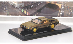 DeLorean DMC-12 Coupe Stainless Steel Gold Edition  Vitesse