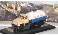 Горьковский автомобиль АЦПТ-3,3(53А) 'Молоко' 1970 г. DiP
