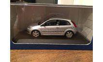 1/43 Ford Fiesta 3-дверная Minichamps дилерская, масштабная модель, 1:43