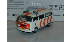 Полицейские Машины Мира №17 Volkswagen Transporter T2, журнальная серия Полицейские машины мира (DeAgostini), 1:43, 1/43