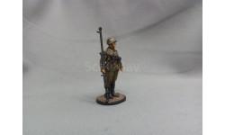 Наводчик противотанкового ружья мл. сержант пехоты Красной Армии (с ПТРД и трофейным МП-40). 1943-45 гг. СССР