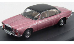 Daimler Double Six Vanden Plas Series I 1973 Pink/Black Matrix