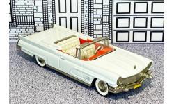 BRK 057 Brooklin 1/43 Lincoln Continental Mark V Conv.Top Down 1960 white