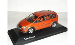 Volkswagen Cross Touran Mk1 FL 2007 Minichamps 1/43 - - - Фольксваген Кросс-Туран 1:43 ОРАНЖЕВЫЙ!