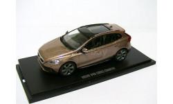 Volvo V40 Cross Country 4WD 2013г 1/43 MotorArt --- Вольво Вэ40 Кросс Кантри 4х4 silver-red (серебристо-медная)