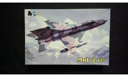 Модель самолета Миг-21Р