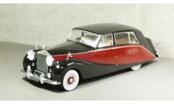 Rolls Royce Silver Wraith Empress by Hooper black/red RHD, MCG18064, Model Car Group 1:18