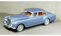 Rolls Royce Silver Cloud III Flying Spur H.J.Mulliner metallic-blue RHD, MCG18057, Model Car Group 1:18