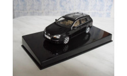 VW Golf V Variant Black 2007 - AutoArt