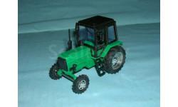 Трактор МТЗ-82 с зеркалами и дворниками (зел.- черн.)