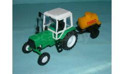 Трактор МТЗ-82 с прицепом 'Пиво' (Тантал+Компаньон) зел. тип 2