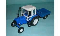 Трактор МТЗ-82 с прицепом (синий) с зерк.