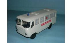 Автобус 'Кубань' Г1А1-02 медпомощь (беж.-зел.)