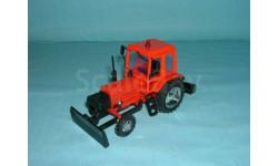 КО-707-1 трактор коммунальный уборочный