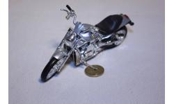 Harley-Davidson 2002 VRSCA V-Rod, 1:18, Maisto