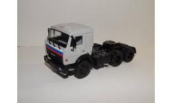 КАМАЗ-54115 седельный тягач