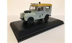 Land Rover 88 Ambulance 1:43 Oxford