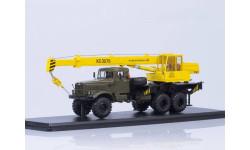 SSM1185 Автокран КС-3575 (на шасси КРАЗ-255Б1), хаки/желтый