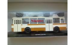 04018А ЛиАЗ-677М Бежево-жёлтый (с запасным колесом)