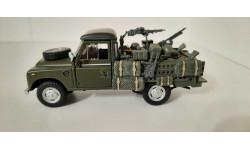 Land Rover / 1:43