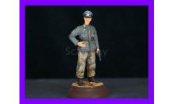 1/16 модель фигурки Немецкий офицер с ракетницей, Восточный фронт Верлинден 815