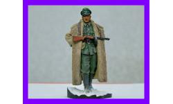 1/16 модель фигуры Немецкий офицер на Восточном Фронте с ППШ, Германия 1943 год, смола Верлинден Продакшн 2112
