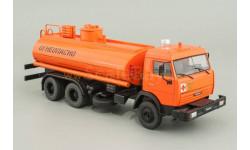 Камаз-53215 НефАЗ-6606 нефтепродукты, масштабная модель, 1:43, 1/43, Автомобиль на службе, журнал от Deagostini