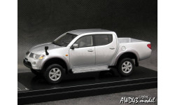Mitsubishi Triton silver 4x4 1-43 Wit's