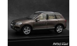 VW Touareg 2010 d.brown 4x4 1-43 Dealer=Schuco, масштабная модель, 1:43, 1/43
