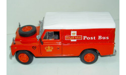 1/43 Land Rover Series III 109 Royal Mail Post bus (Cararama)