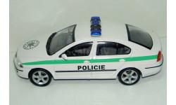 1/43 Skoda Octavia Policie (Abrex)