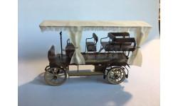 Автомобиль Фрезе и Ко съ зановесями и верхомъ 1902