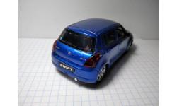 Масштабная модель автомобиля   SUZUKI SWIFT.  Металл. Пластик. 1:43.