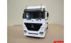 Модель грузовика Mercedes-Benz MP white