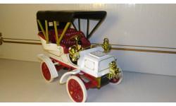 Cadillac Model B 1904. 1/32