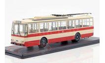троллейбус SKODA 14TR Weimar 1981 Beige/Red, масштабная модель, Tatra, Premium Classixxs, scale43