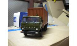 KAMAZ-53212 с 20-футовым контейнером