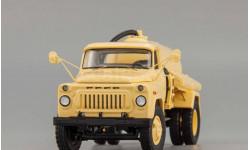 Горький АНМ-53А Ассенизаторная машина (1977 г.), бежевый