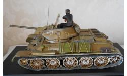1 : 35  Танк  Т34-76  образца 1943 года.
