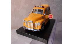 1 : 36 CHEVROLET SUBURBAN  1950, масштабная модель, KINSMART