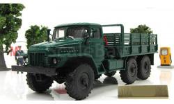 Миасский грузовик Урал 375 Д бортовой (зеленый) СССР АИСТ Автоистория 1:43